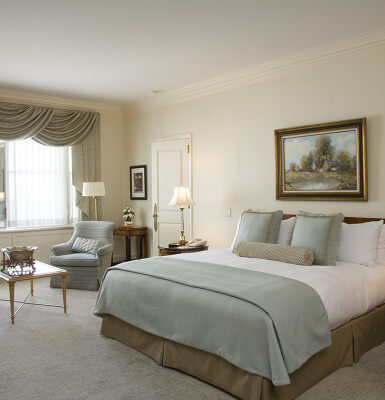 Central Park Room #1204 offers beautiful views of Central Park with tasteful furnishings.